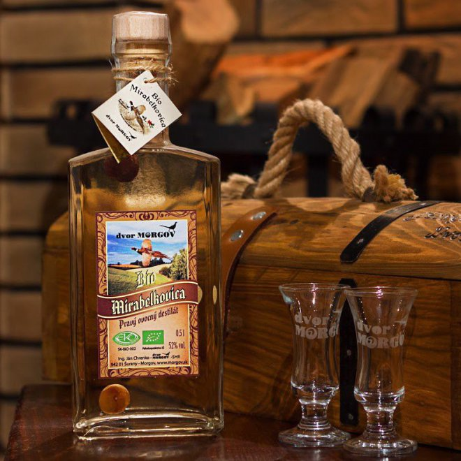 Biomirabelkovica -  pravý ovocný destilát